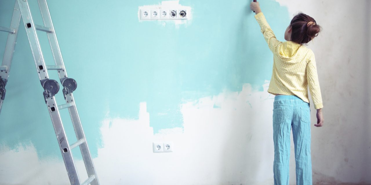 Should You Hire A Contractor To Paint The Interior Of Your House?